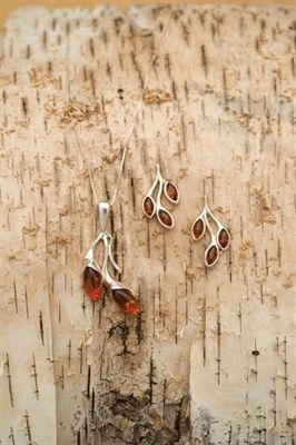 Picture of Baltic Amber Leaf Jewelry