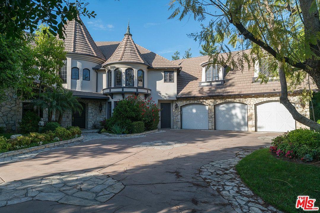 19203 Romar St Northridge Ca 91324 Mls 19468042 Zillow Northridge House Exterior Los Angeles Homes