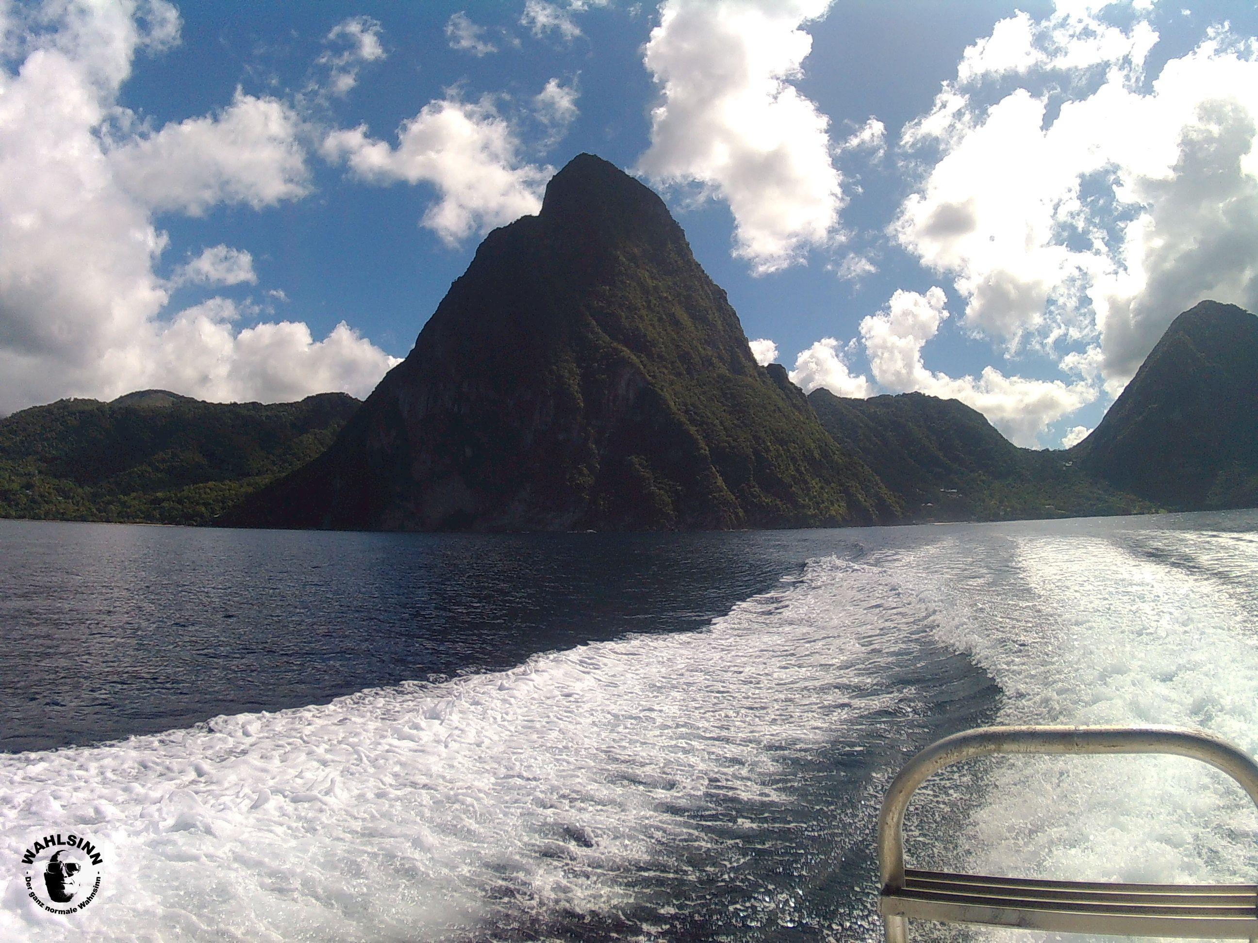 St. Lucia - Die zwei Kegel sind ein wahrzeichen von St. Lucia. Und direkt davor ein sehr schöner Tauchplatz