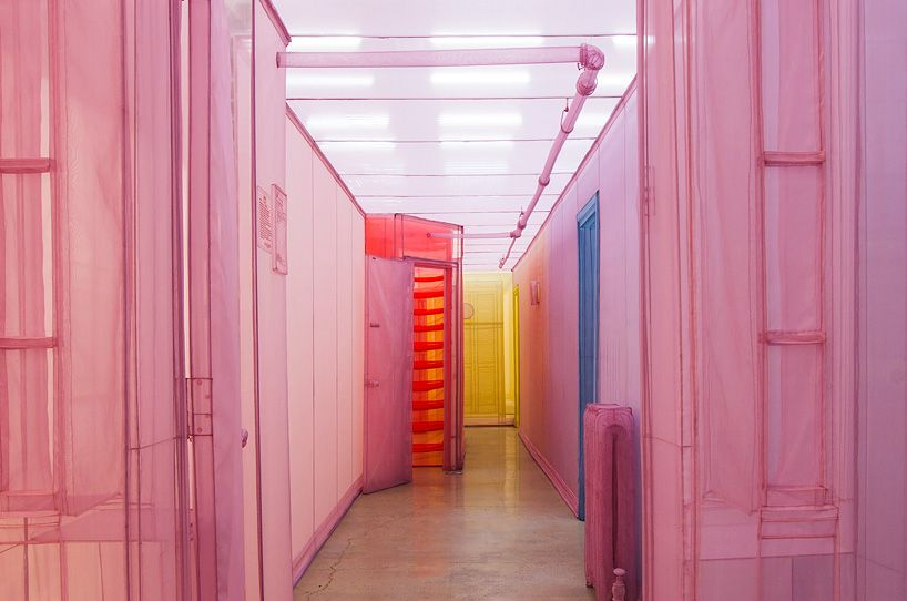 Do Ho Suh Recreates His NYC Apartment Using Colorful Sheer Fabric (6 pictures)