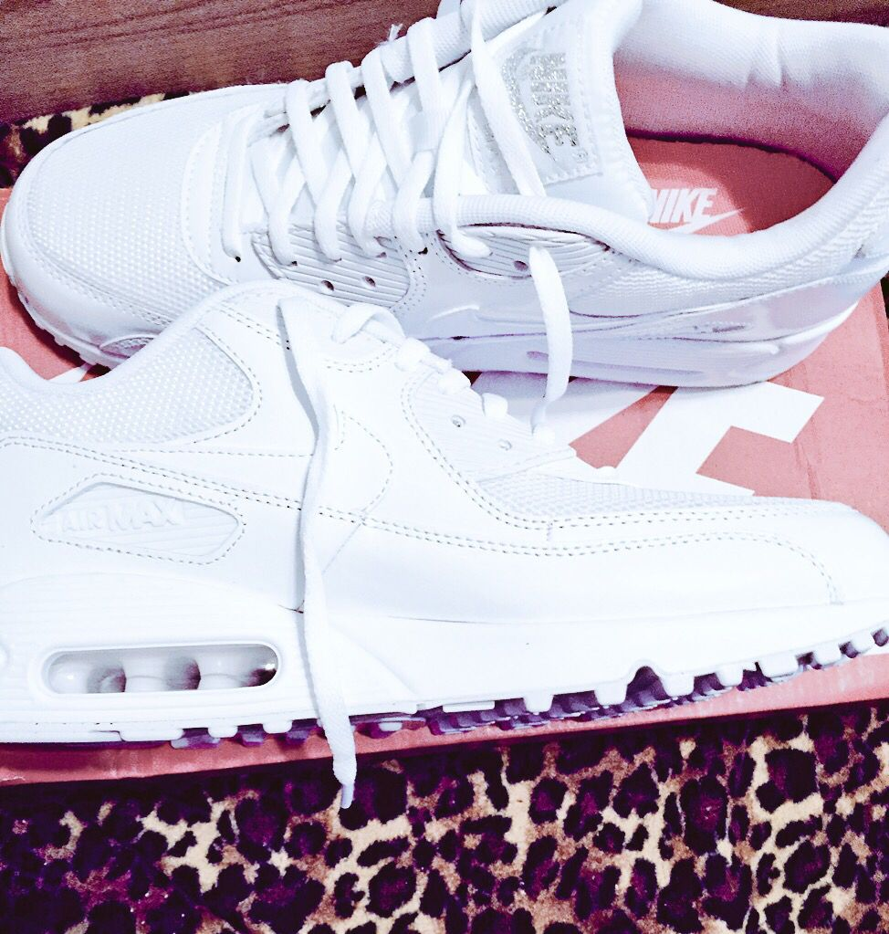 NIKE Air Max 90 All White #nike #airmax90 Modetrender  Fashion trends