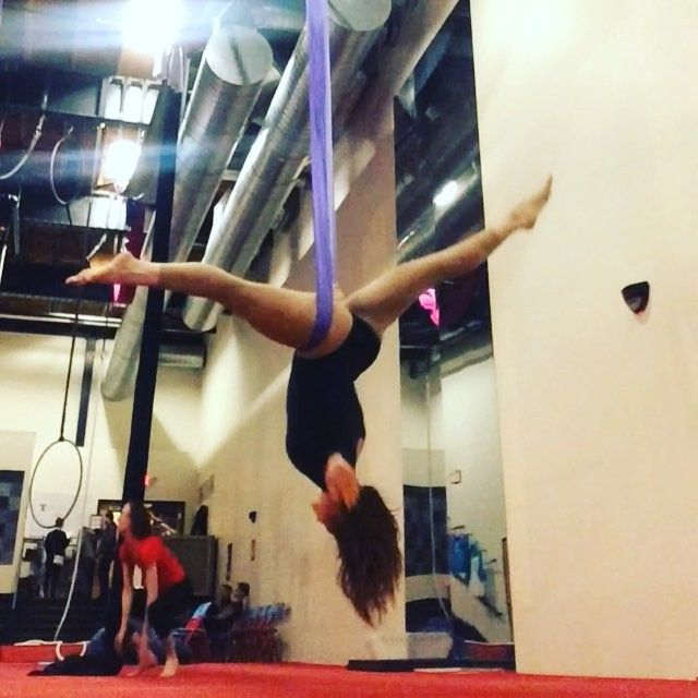 More riri, because all I do when I'm not silking is edit videos of me silking. #rihanna #happyplace #youneededme #slings #aerialsilks #aerialsling #aerialhammock #stl #straddle #splits #bendybabes
