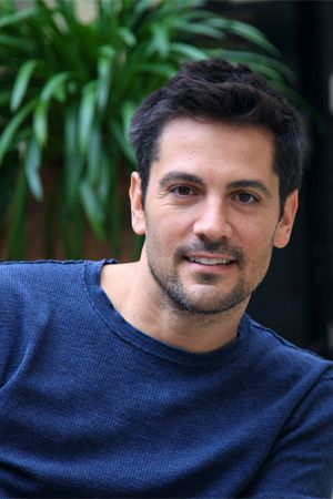 Michael Landes. Most known (to me) as the cop from Final ...