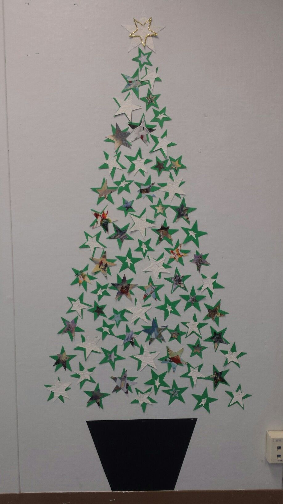 Christmas tree with stars #christmasdoordecorationsforschool