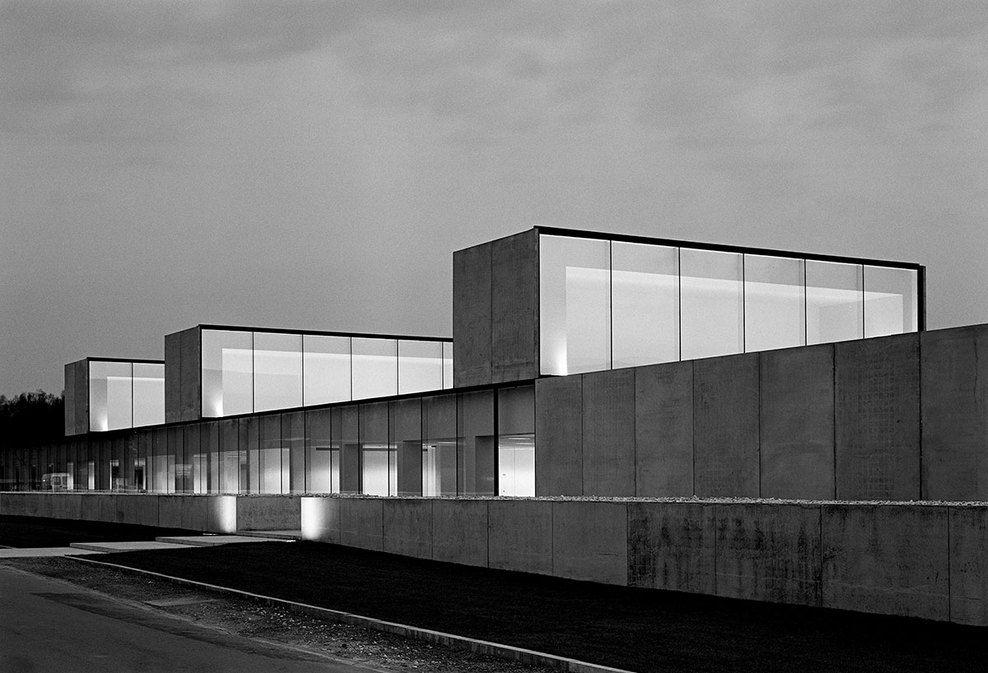 Office building at Waregem by Vincent Van Duysen | Vincent van ...