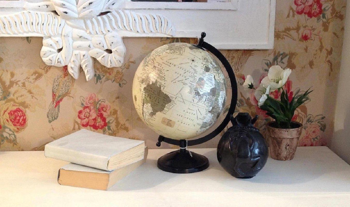 Bola del mundo con base hierro - vilmupa