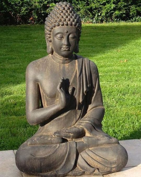 Buddha For The Front Porch For Protection Buddhizmus Japan Kert