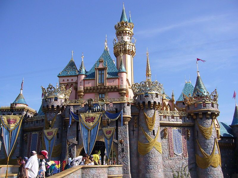 File:Disneyland castle
