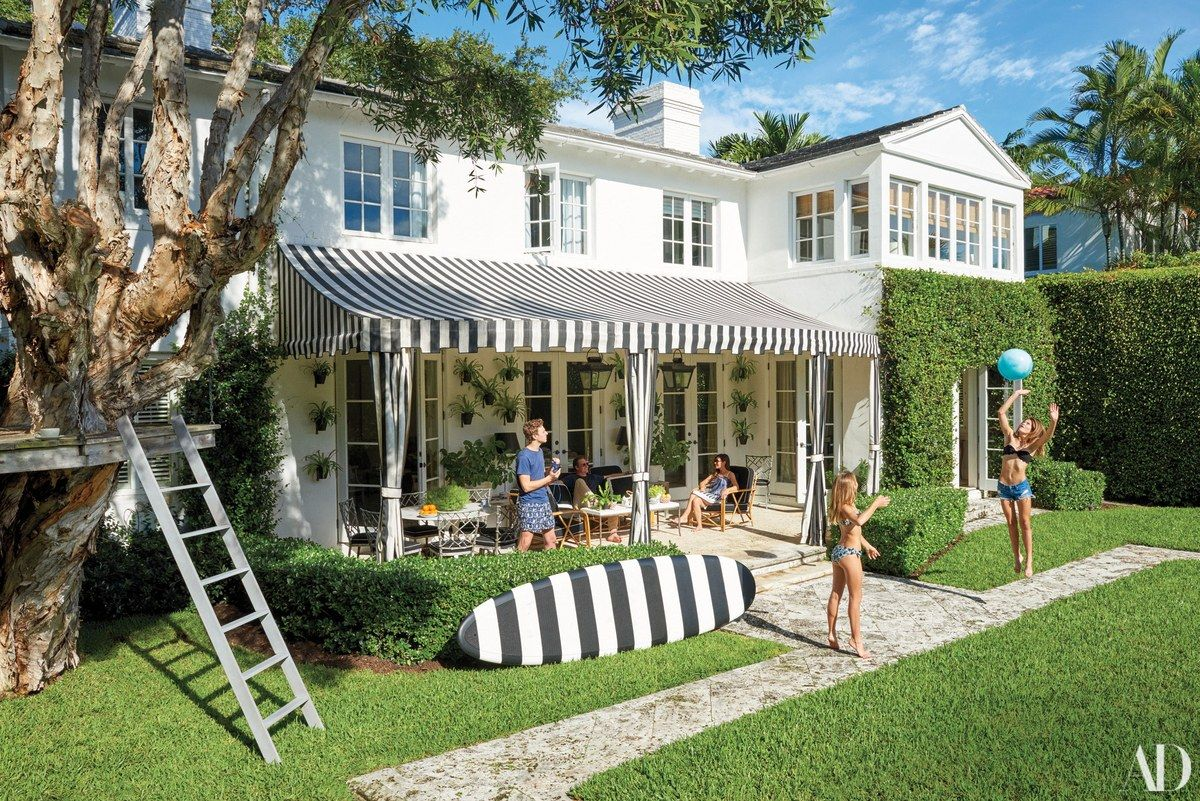 Sarah And Austin Harrelson S Miami Beach Home Architectural Digest Beach Cottage Style Beach Cottages House Exterior
