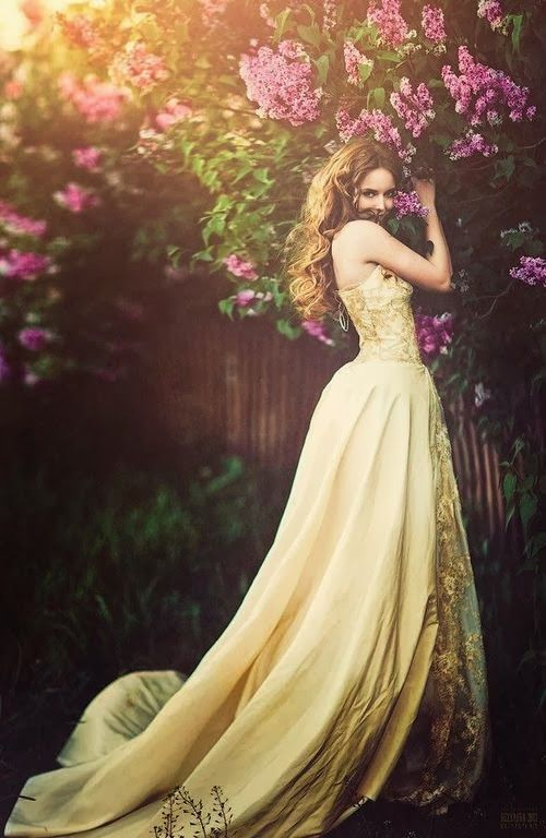 Beautiful lace yellow gown |