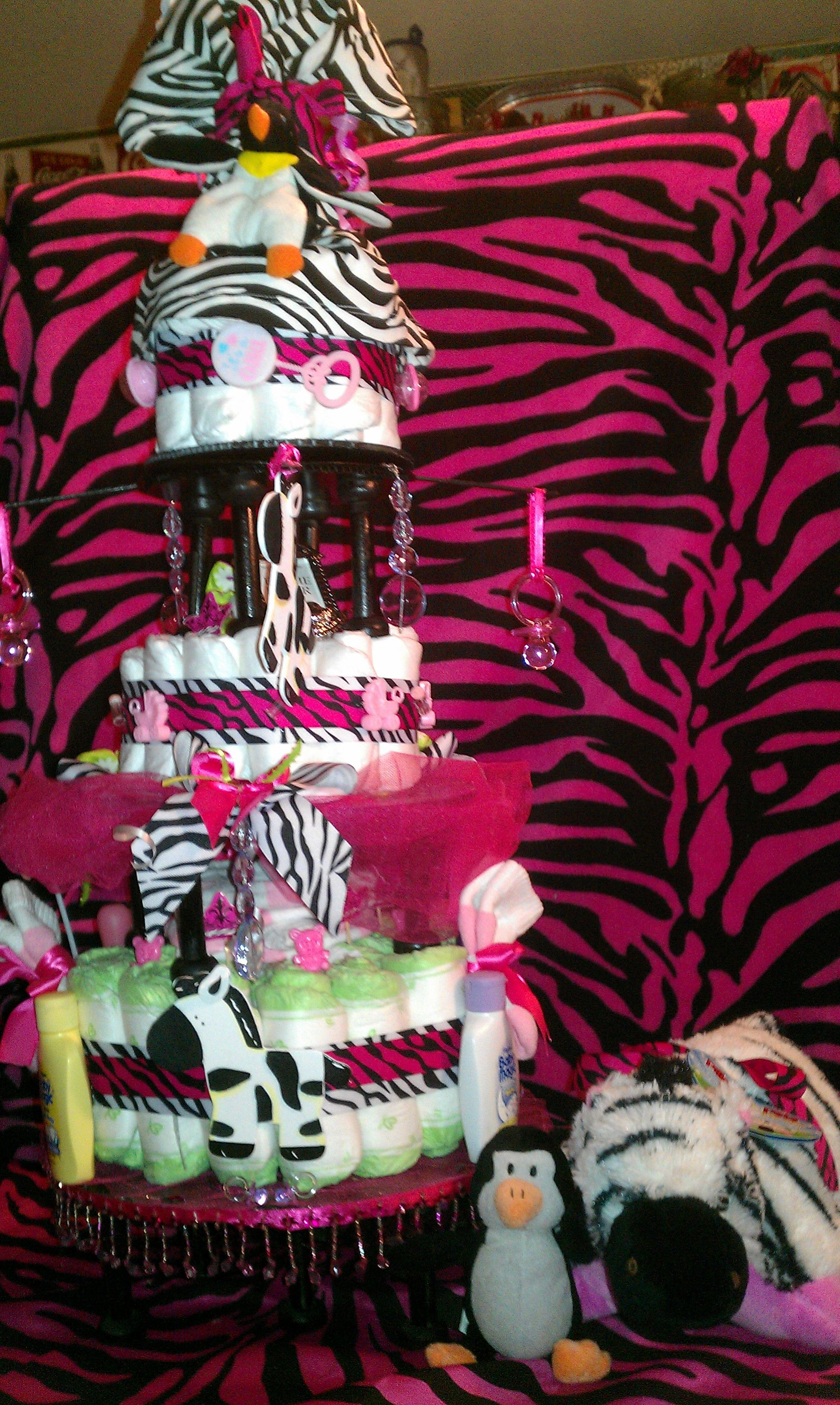 3 tier cake on pedestals animal pillows tiered cakes 3