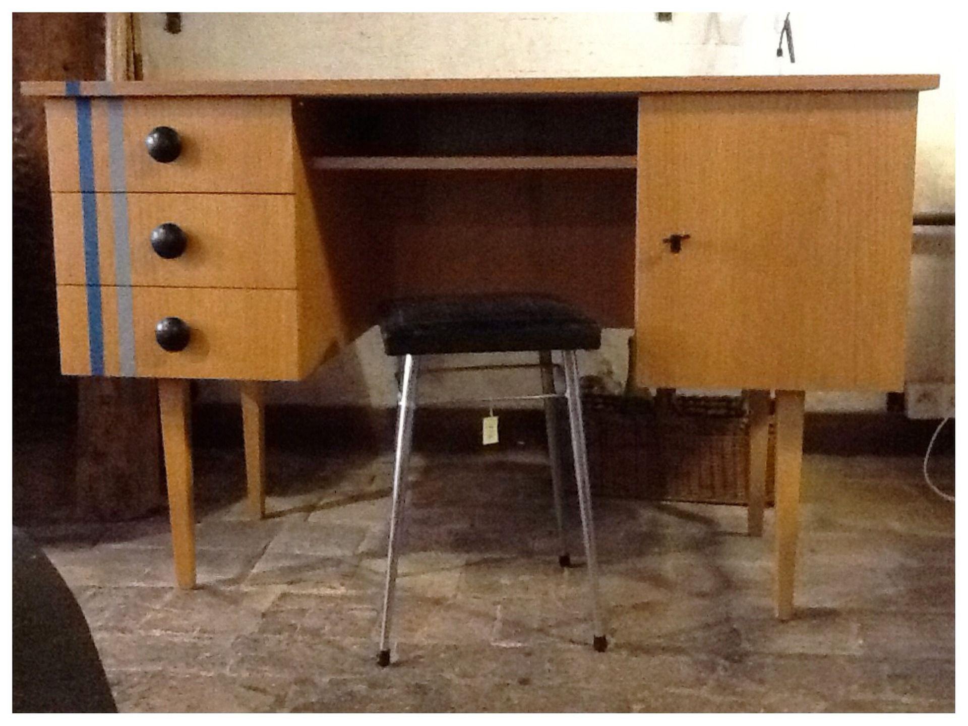 bureau ancien restaur et relook esprit scandinave meubles et rangements par lacaverne89. Black Bedroom Furniture Sets. Home Design Ideas