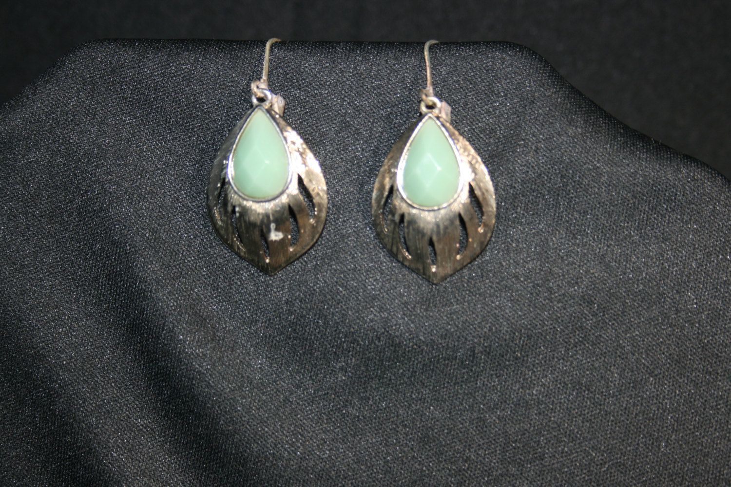 Vintage Silver Tone & Green Stone Drop Earrings Costume Jewelry by KattsCurioCabinet on Etsy