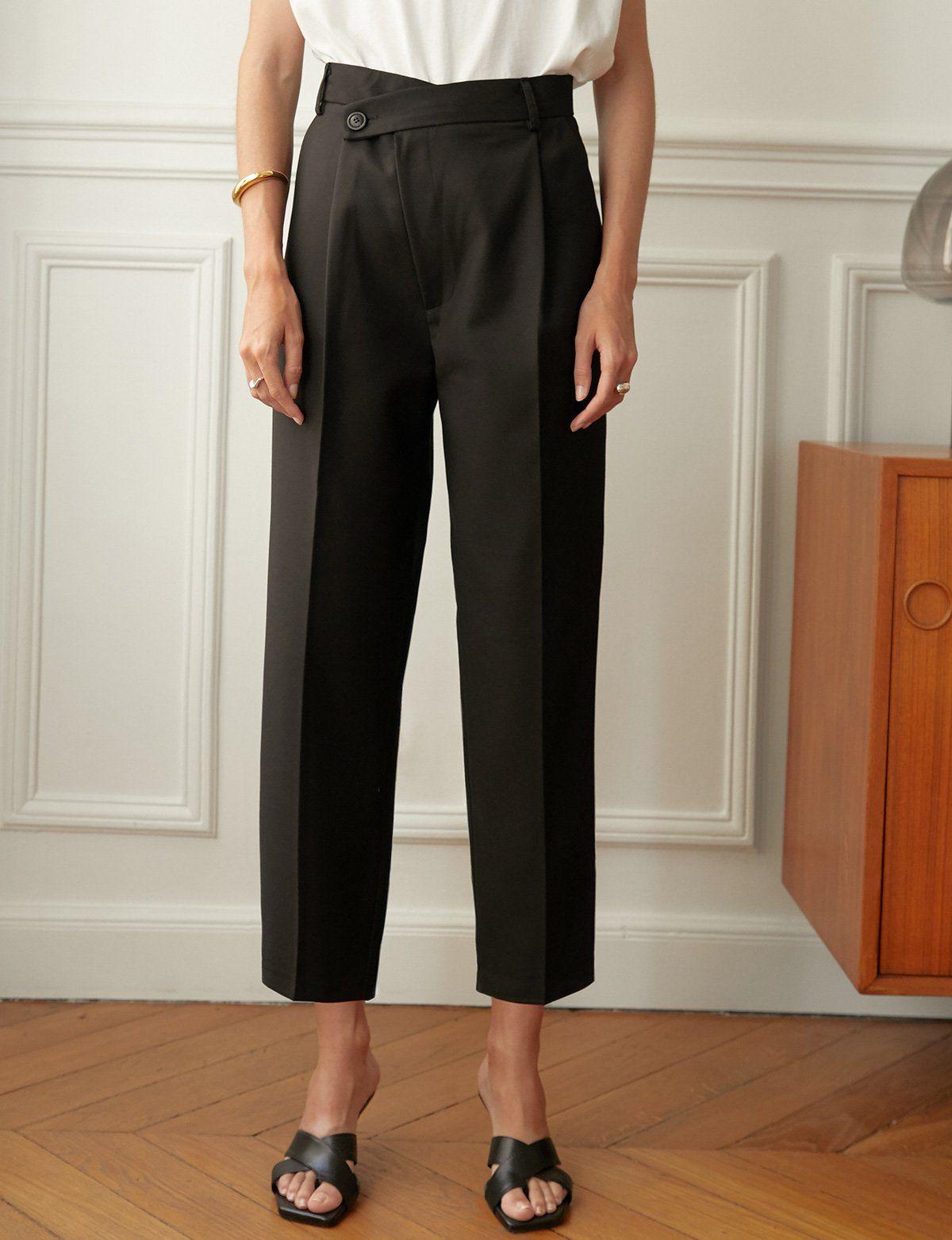 Black Crossover Pant Black Dress Pants Outfits Black Cullotes Outfits Pixie Pants Outfit [ 1563 x 1200 Pixel ]