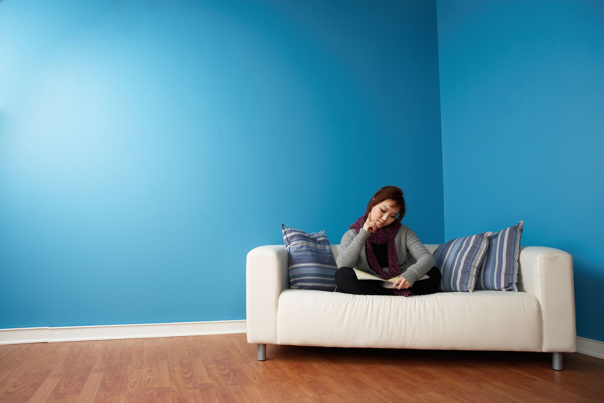 How to get smells out of couches hunker clean couch