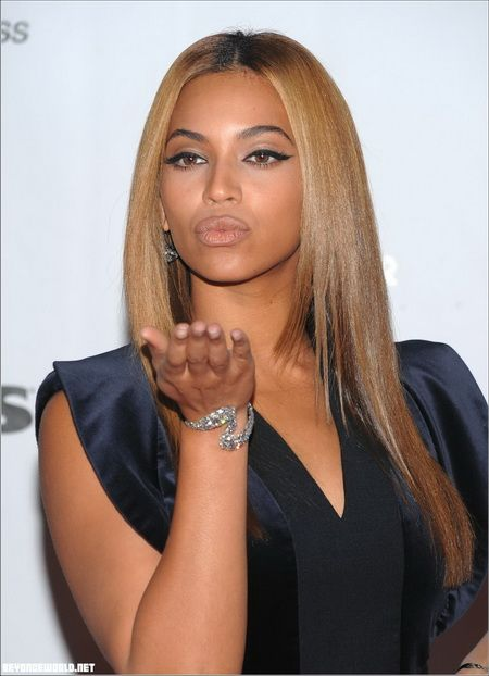 Seriously She S Just Flawless I Love Her Hair Beyonce Hair