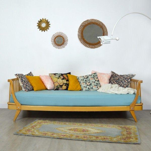 lit enfant daybed m ridienne vintage mobilier vintage pinterest lit enfant m ridienne. Black Bedroom Furniture Sets. Home Design Ideas