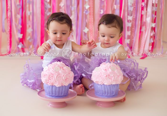 baby first birthday cake smash portrait photographer Twin stuff