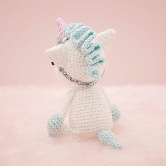 Unicorn Amigurumi crochet - YouTube | 571x570
