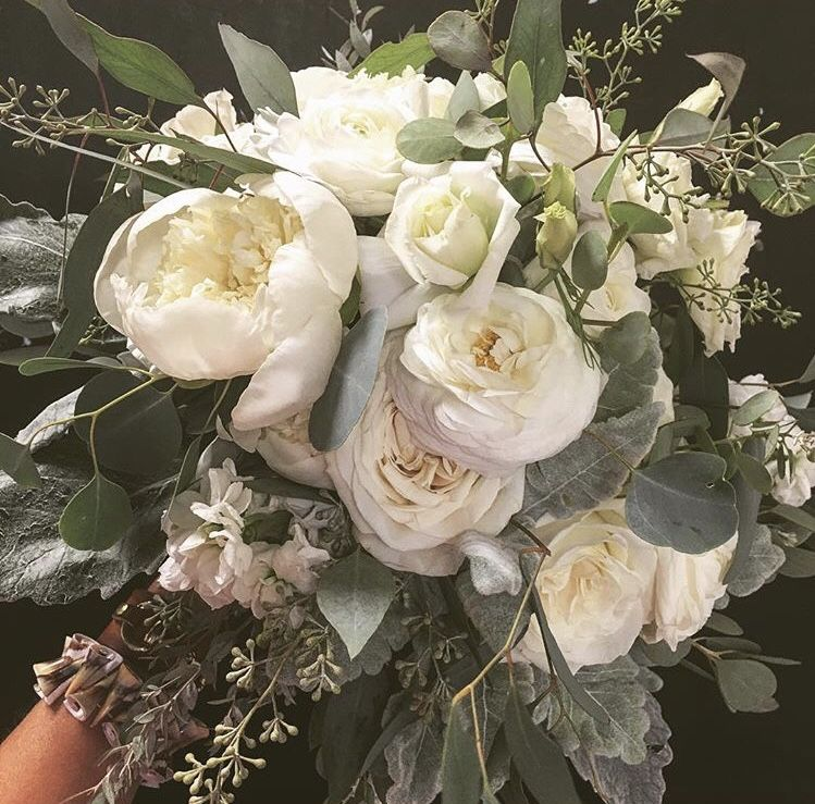 Pin By Katherine Kirby On Weddings Floral Wreath Flowers Bowling Green