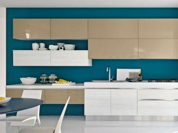 beige weiße Küche Einbaugeräte Küchenspüle Hochglanz Küche