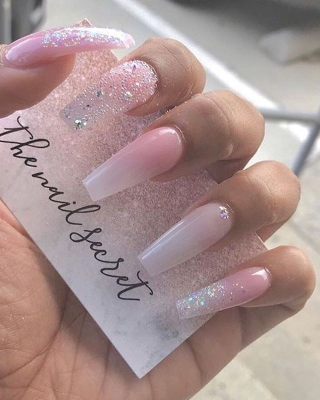 Amazing 39 Best Ombre Nail Design To Make You More Beautiful Http Upoutfit Com Index Php 2018 12 24 39 Bes Pink Glitter Nails Cute Acrylic Nails Nail Designs