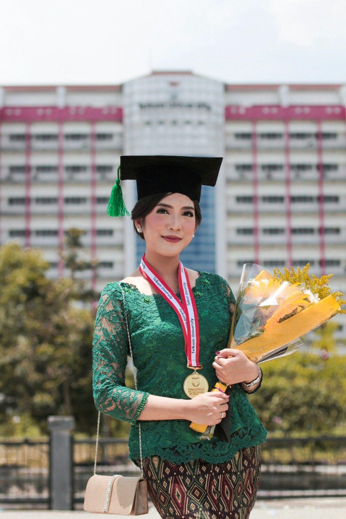 Photo of Kebaya Hijau Wisuda 🎓  #graduation