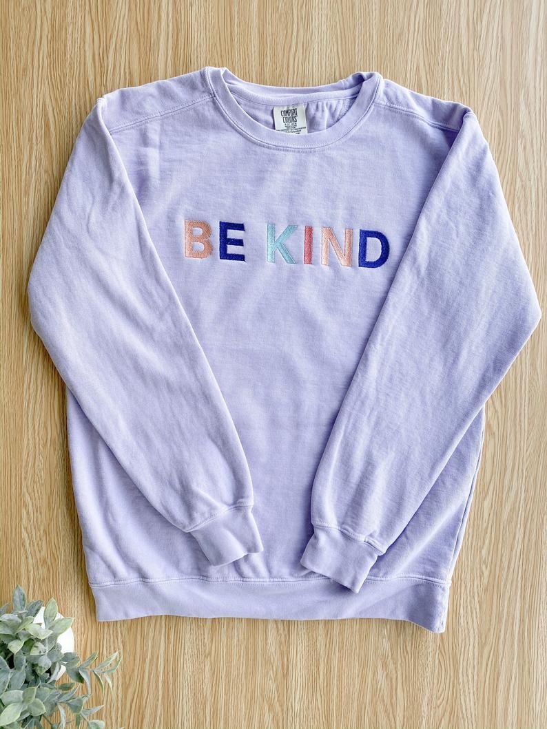 Be Kind Comfort Colors Light Yellow Crewneck Sweatshirt Etsy Comfort Colors Sweatshirt Embroidered Sweatshirts Sweatshirts [ 1059 x 794 Pixel ]