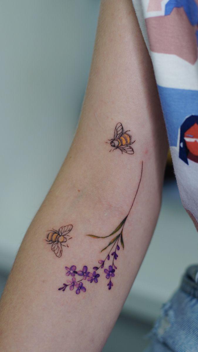 #tattoo #tattoosforwomen #colorfultattoo #lavanda #lavandertattoo