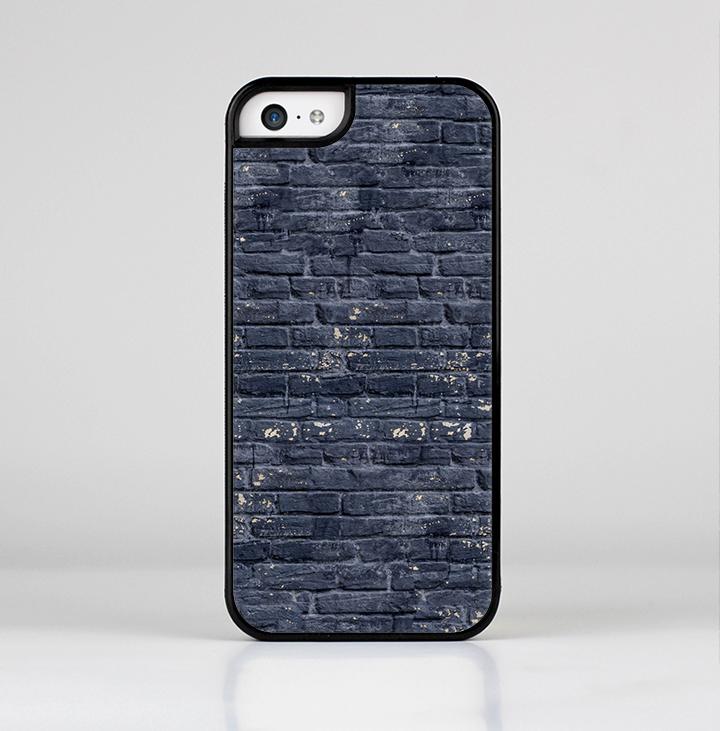 The Grungy Dark Blue Brick Wall Skin-Sert for the Apple iPhone 5c Skin-Sert Case