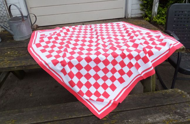 VINTAGE RETRO DINER RED WHITE GINGHAM BUFFALO CHECK TABLECLOTH