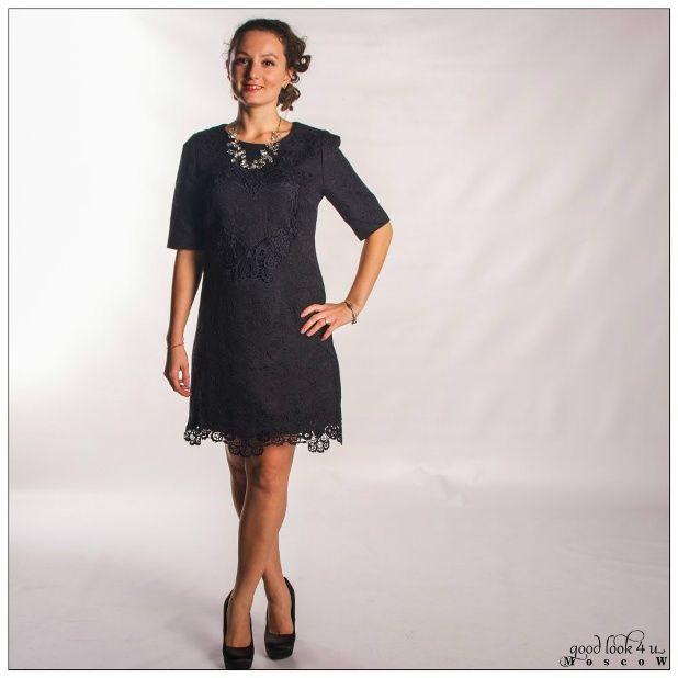 3cc6847beda Платье-трапеция D amp G привлекающего чернильного цвета с рукавом 3 4 и  кружевной