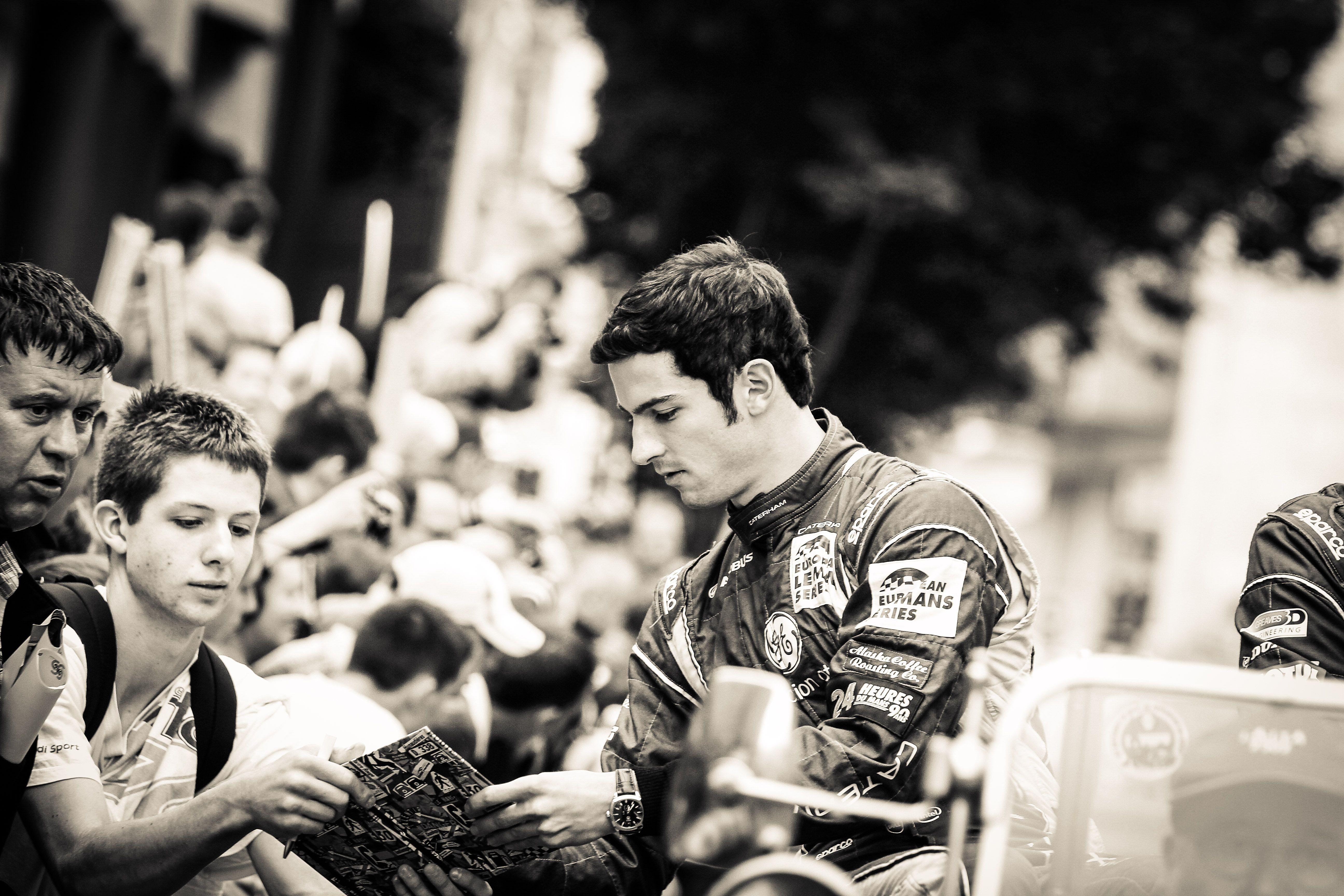 Signing autographs pre race