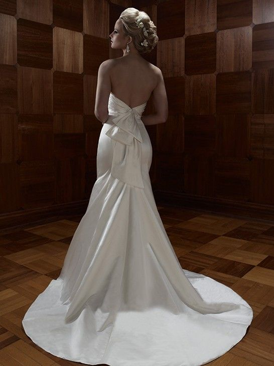 A friend of mine posted this @kyla : This was my dress! I'm a size 2 regularly. I wore it on the night of my wedding and its still like new. I'm selling it for $600.00. It is by Casablanca Bridal, # B035. Let me know if you are interested!