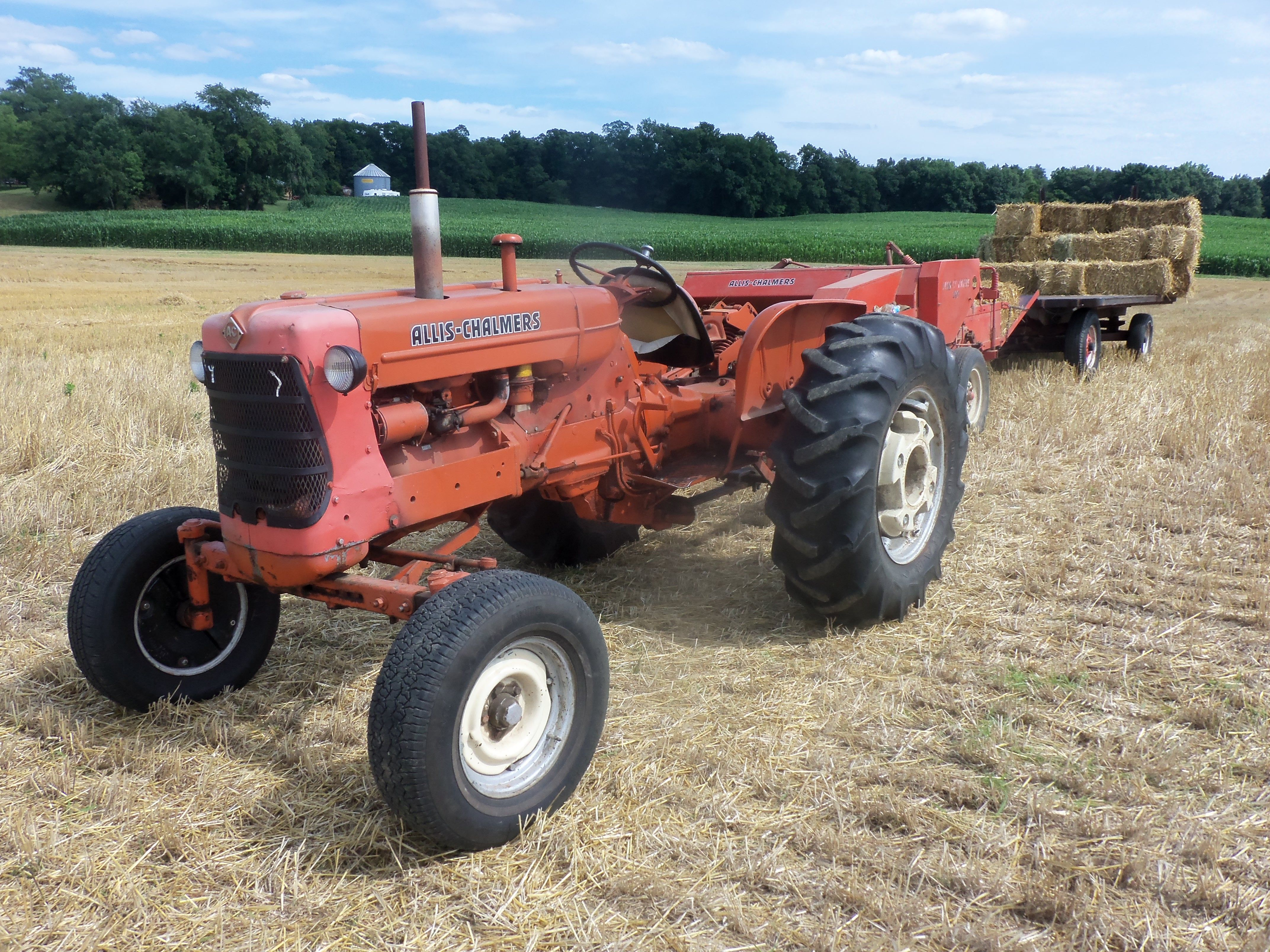 Tractor Pulled Wagon : Allis chalmers d pulling hay baler wagon