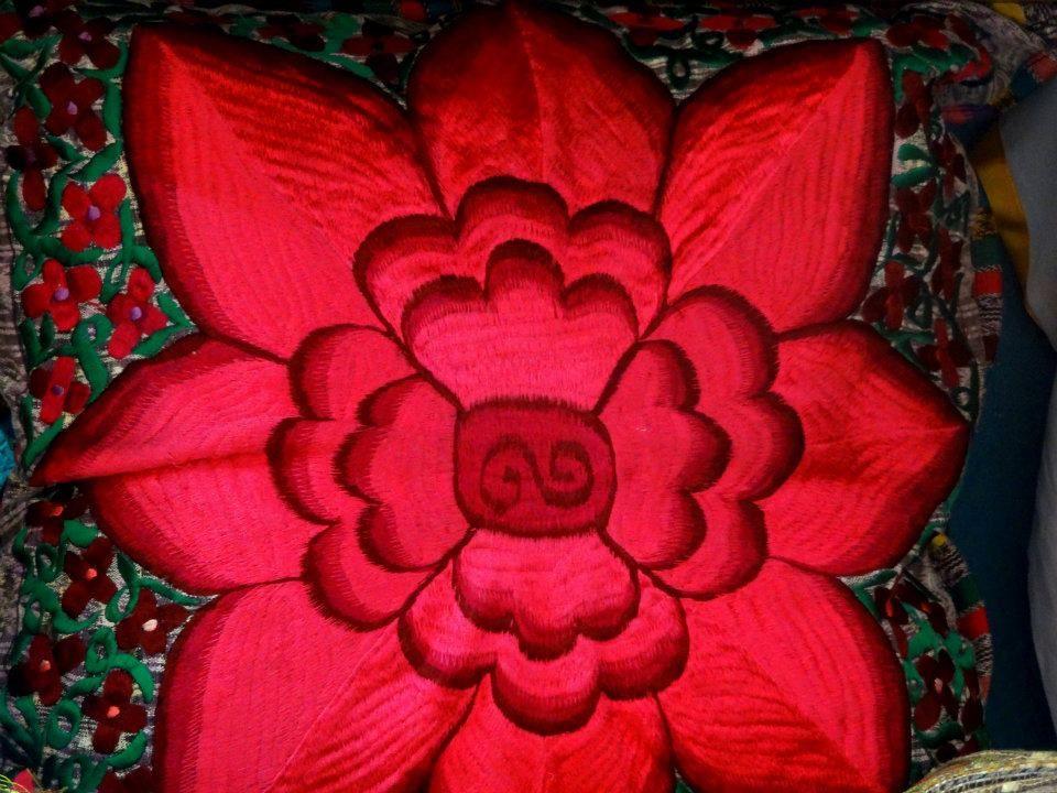 Cojines bordados por artesanos chiapanecos. Boutique de ...