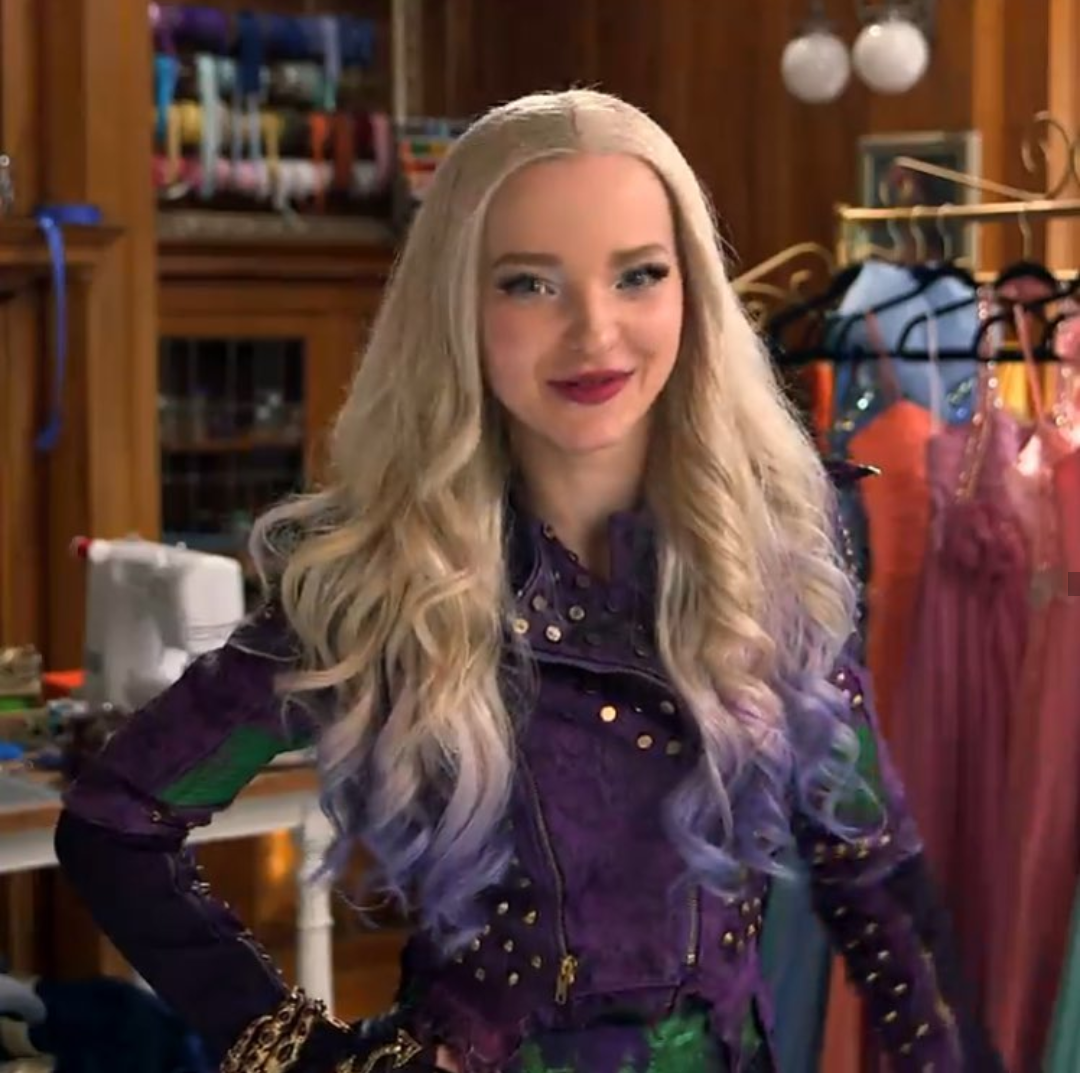 Mal i love her hair and her outfits descendants 2 for Dove cameron coloring pages