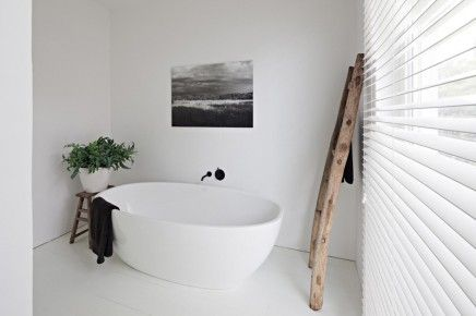 Witte rustieke badkamer | Bathroom inspiration, Bath and Bath design