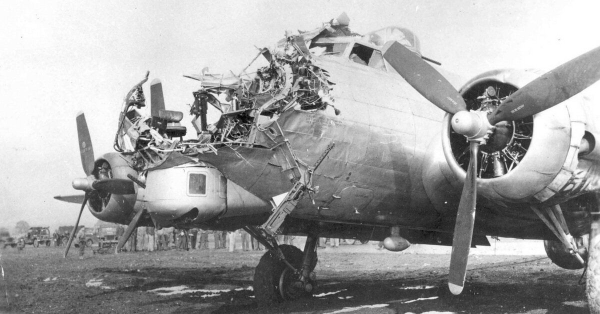 08bae7b9e Heroic American Crew Fought off 17 Enemy Planes in 'Cursed' B-17 ...