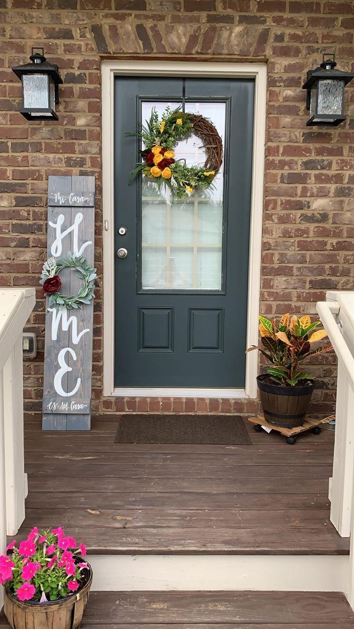 Beautiful Porch Decor. Handmade Entryway Ideas. #porchdecor