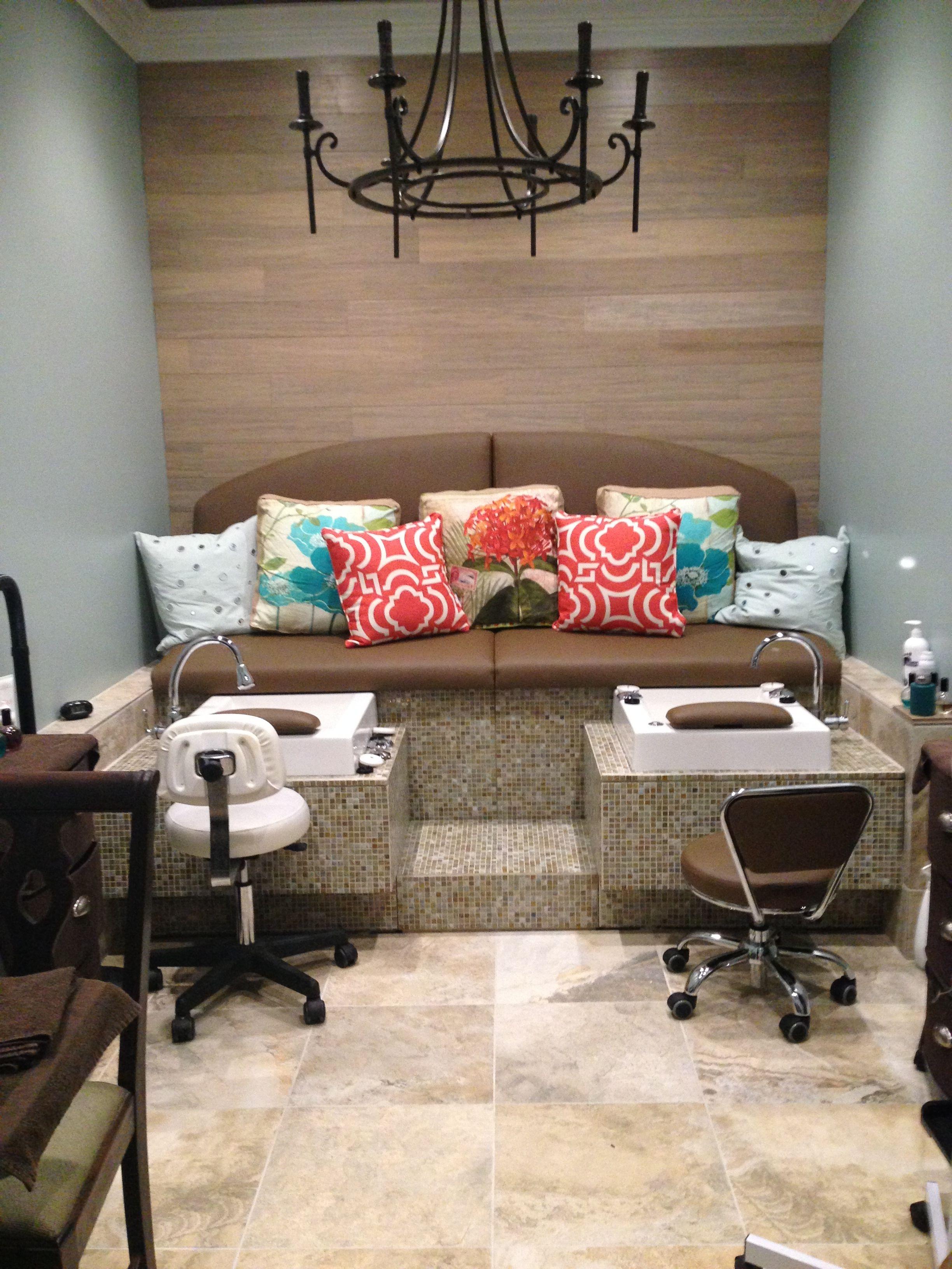 Warp And Weft Pedicure Bench With Purjet Sinks Sala De Unas Salon De Unas Decoracion De Salon De Belleza