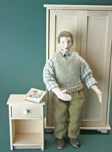 Make this simple dollhouse scale night table or end table and learn the technique for fitting drawers or shelving into a simple cupboard. This is an easy beginner's project which can be made from craft wood.: Make a Dollhouse Scale Night Table, Bedside or End Table With Working Drawers