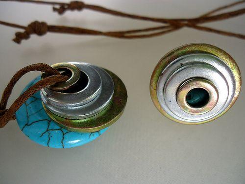 Conjunto de colgante y anillo de arandelas ferreteras y hawita.                                   Washer  and hawita