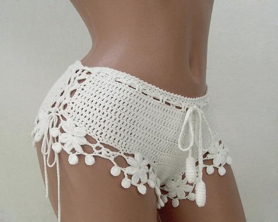 White Crochet Beach Shorts, Lace Summer Beach Shorts, Cotton Crochet Clothes, Beach bikini shorts, Lace crochet shorts, White hot pants #crochetclothes