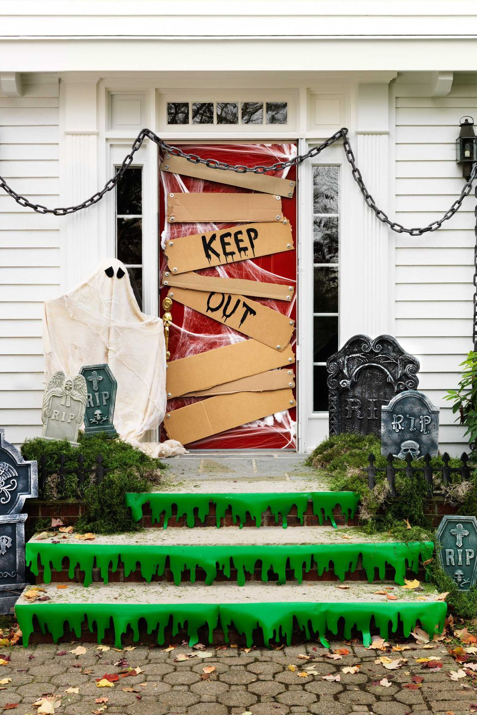 50 DIY Halloween Decorations That\u0027ll Transform Your Home - Pinterest Outdoor Halloween Decorations