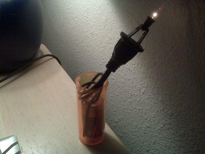 Make A Mini Christmas Light Bulb Tester Christmas Light Bulbs