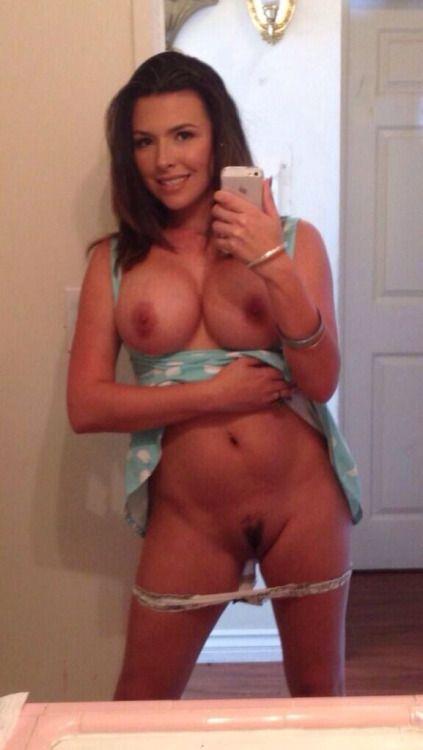 naked milf selfies Hot
