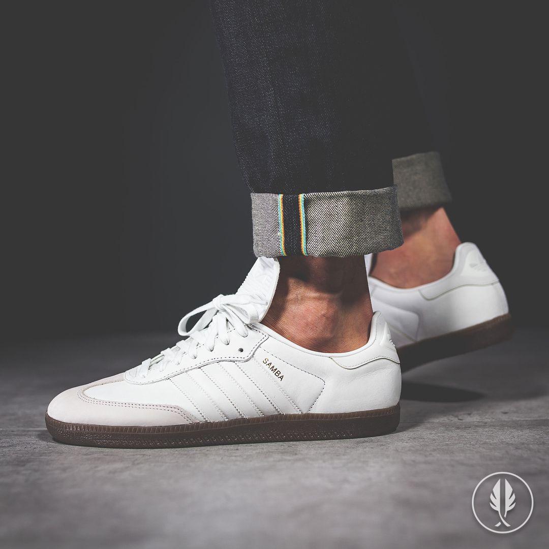 e7e518bab adidas Originals Samba Classic OG  Vintage White