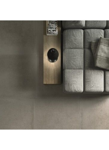 Suolo is a subtle, natural looking Italian porcelain tile, capturing