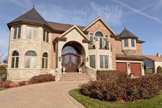 Home For Sale 8052 W Winnemac Ave Norridge Il 60706 Property 103077990 Norridge My Dream Home Types Of Houses